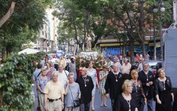 La parroquia de los Santos Juanes de Valencia celebra la procesión de Sant Joan del Mercat