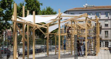 La instalación efímera 'Transition', de Adrián Torres, corona la explanada del IVAM