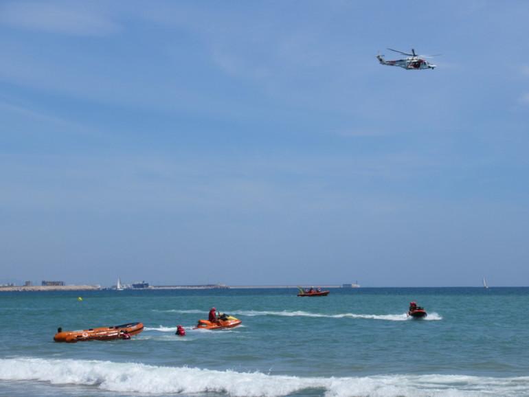simulacre de salvament a les platges de El Saler