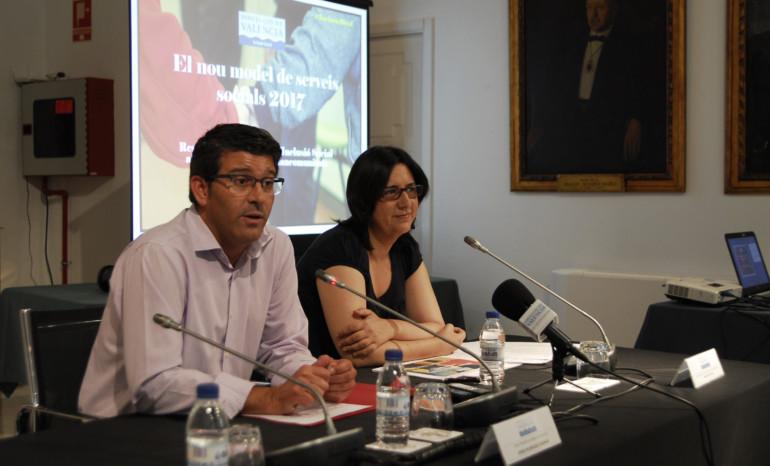 El presidente de la Diputación, Jorge Rodríguez, junto a la diputada Rosa Pérez Garijo.