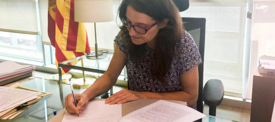 Oltra firma la Carta Europea de Información Juvenil