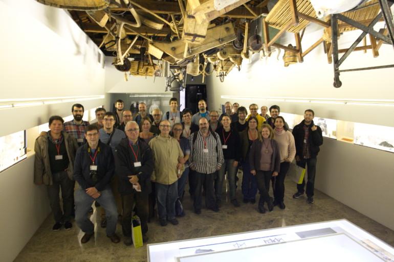 'Wikipedistas' participantes en la 'wikitrobada' celebrada en el Museu Valencià d'Etnologia.