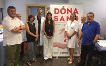 Carmen Montón agradece la solidaridad de los donantes de sangre de este verano