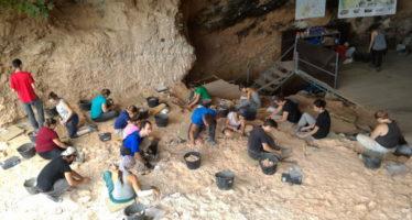 Comienza la campaña de excavaciones en La Cova de Bolomor