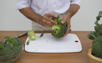 Científicos y nutricionistas españoles recomiendan tomar brócoli para ayudar a proteger la piel en verano