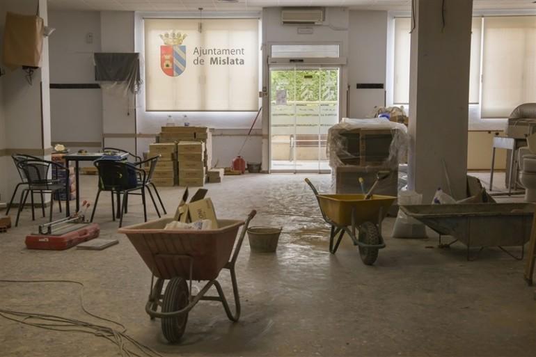 Mislata aprovecha el mes de agosto para mejorar instalaciones municipales