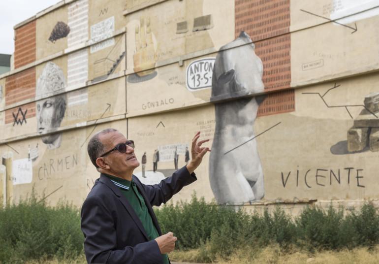 García Cortés presenta la intervenció de l'artista Escif al mur de l'IVAM