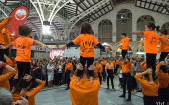 Més de 60.000 persones ompliren els mercats municipals en la II Bonic/a Fest