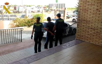 La Guardia Civil detiene a dos personas por 14 robos en viviendas en Picanya