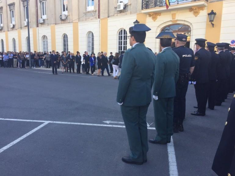 El ministro del Interior impone la Medalla de Oro al Mérito Policial al policía nacional asesinado en Valencia