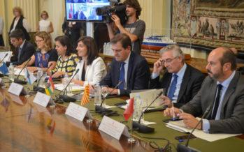 """Cebrián pide al Gobierno central """"apoyo extraordinario"""" para la Xylella"""
