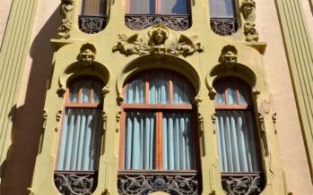 Comienza la rehabilitación de la fachada de la Casa de las Brujas en Alicante