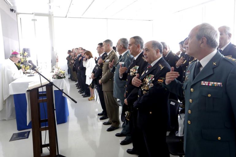 La Policía Nacional honró a sus patronos, los Ángeles Custodios, en una misa de campaña celebrada en el Veles e Vents.