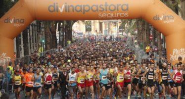València celebra una espectacular VIII Volta a Peu de les Falles