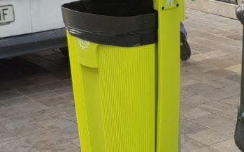 Les papereres amb dispensadors de bosses redueix els excrements de gossos a Patraix