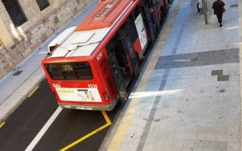 L'Ajuntament adapta 169 parades de l'EMT per a persones invidents