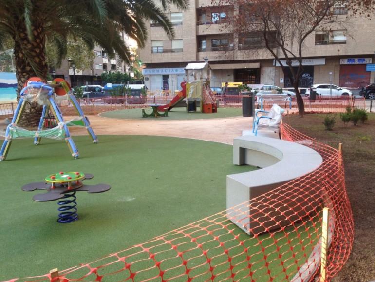 Se Abre El Nuevo Jardin Con Juegos Infantiles En La Avenida Aragon