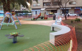 Se abre el nuevo jardín con juegos infantiles en la avenida Aragón