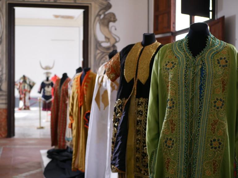 Vestidos de la Ruta de la Seda, en el Museo de la Seda