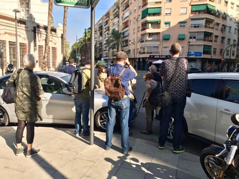 Levantamiento fotográfico del barrio de Marxalenes organizado por Bombas Gens