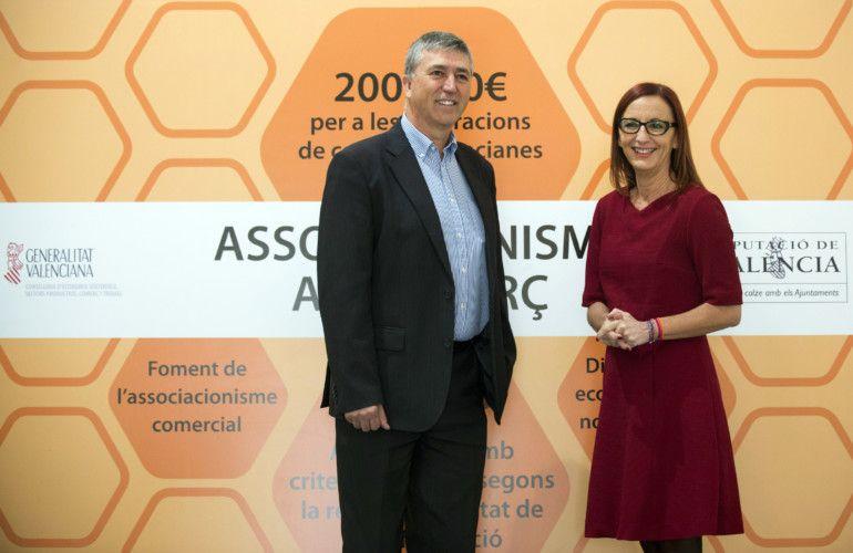 Rafael Climente y Maria Josep Amigo presentan la línea de ayudas al asociacionismo. Foto: Abulaila