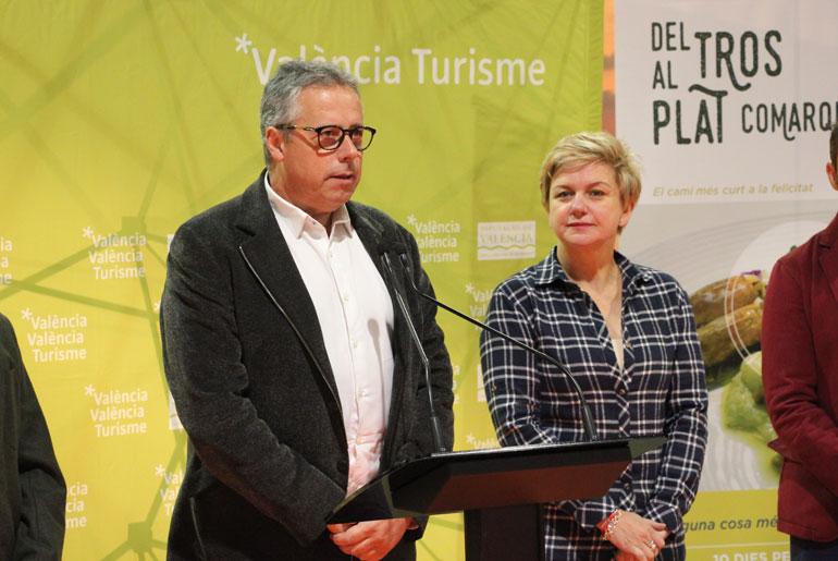 Evarist Caselles, director del patronat de Turisme, durant la seua intervenció. Foto: Javier Furió
