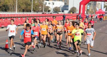 Gran ambiente en ExpoDeporte la víspera del Maratón Valencia