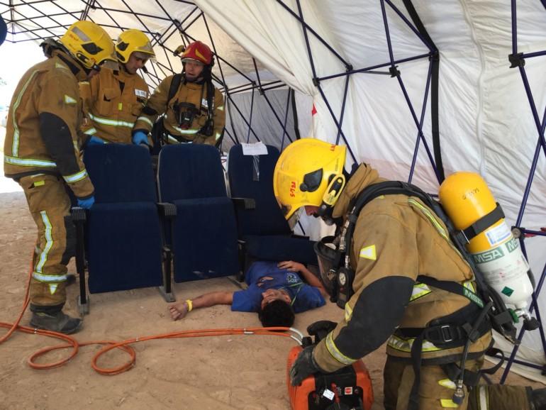 Simulación de eu accidente aéreo en el aeropuerto de Alicante - Elche.