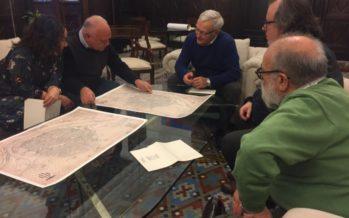 La Societat Bibliogràfica Jerònima Galés entrega Ribó un facsímil del plànol de Mancelli