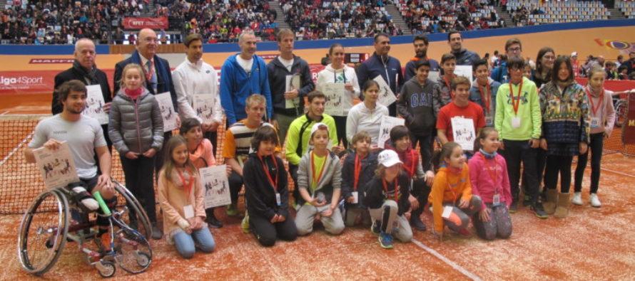 Más de 5.000 aficionados celebran la Fiesta del Tenis español en el Luis Puig