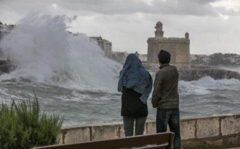 Protección Civil recomienda extremar las precauciones por el fuerte viento