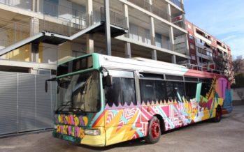 L'EMT dóna a Mali un autobús carregat amb material sanitari