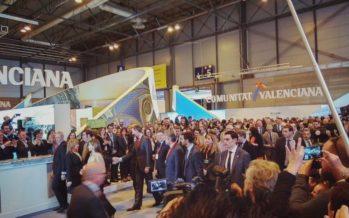 Los Reyes visitan el stand de la Comunitat Valenciana en Fitur