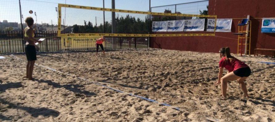 Elche acoge la primera prueba del Campeonato de invierno de vóley playa