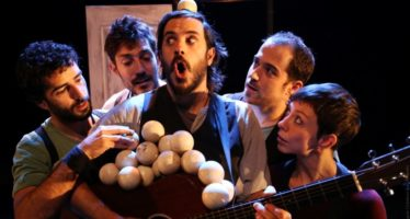 El Rialto inicia el año con el espectáculo familiar 'Emportats', de La Trócola Circo