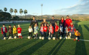 Marines estrena campo de fútbol en el 35 aniversario de su polideportivo