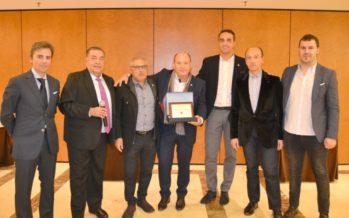 Toy Planet entrega un reconocimiento a la empresa De Cuevas Toys, S.L.