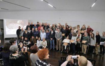 Un llibre celebra els 30 anys d'ensenyament en valencià a Torrent