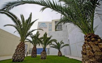 El Hospital de La Ribera recibe los primeros refuerzos de personal