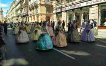 Ofrenda floral a San Vicente Ferrer por las calles del centro de València