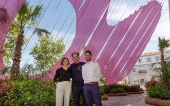 'Esa cosa rosa', un oasis de color y naturaleza en la explanada del IVAM