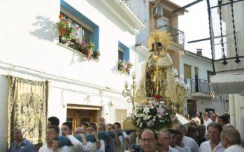 La imagen peregrina de la Virgen de los Desamparados visita por primera vez Siete Aguas