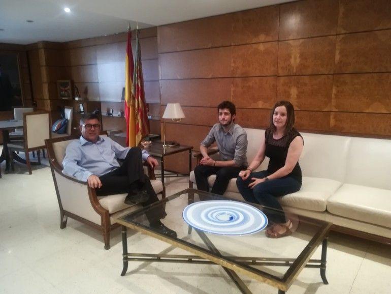 Juan Carlos Fulgencio ha recibido en delegación del Gobierno a Antonio Estañ y Ángela Ballester.