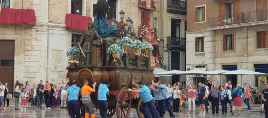 Corpus 2018: El traslado de las Rocas a la plaza de la Virgen