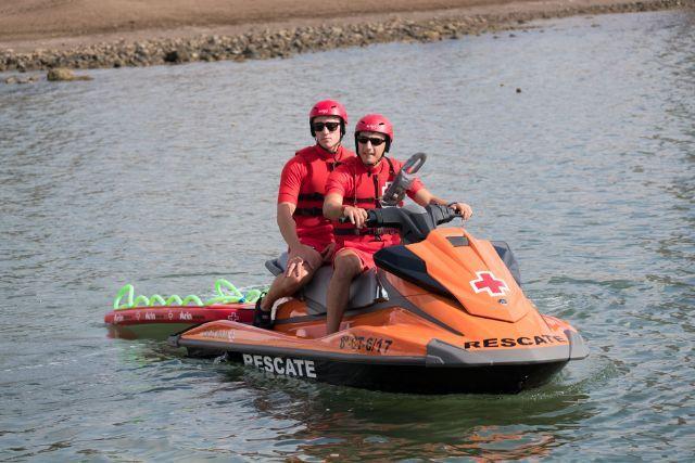 El rescate del cadáver lo ha tenido que realizar la Cruz Roja con una moto de agua. Foto de archivo