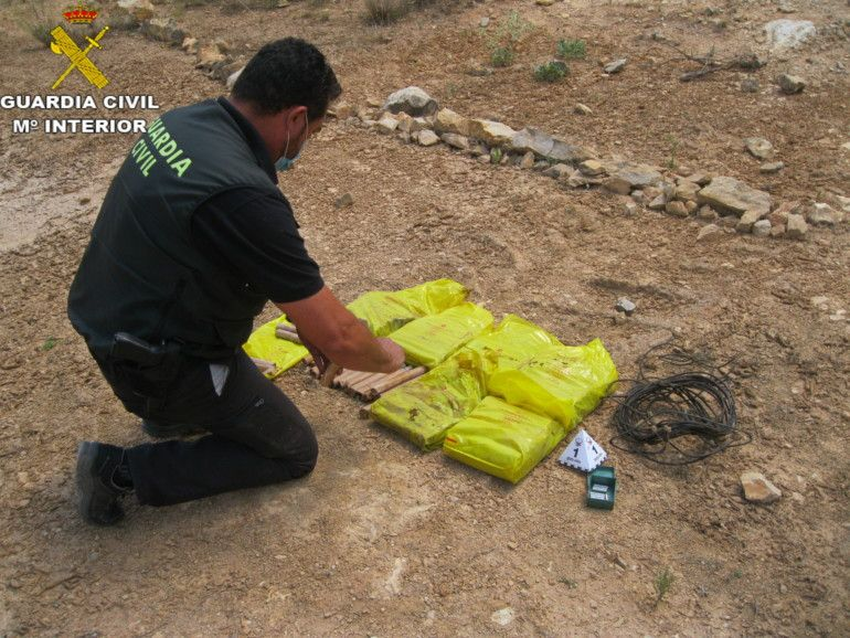 Guardia Civil explosivos encontrados