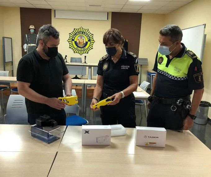 Policia Local Alcoi pistolas teaser