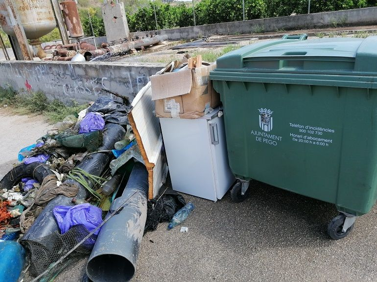 La cantidad de basura extraída del río Bullent pone de manifiesto un problema más que serio.
