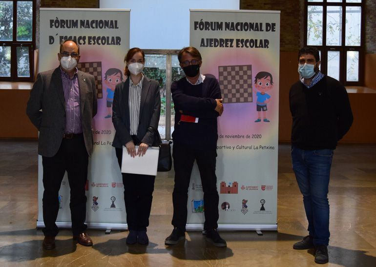 Francisco Cuevas (Presidente FECV), Sabrina Vega, Josep Miquel Moya (DGD) y Román Beltrán (C.A. Ciutat Vella)